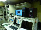 おととし、高価な高周波増幅器を寄付してあげたので、VIP待遇で研究所内を案内してもらった。